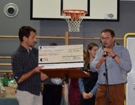 Remise du 1er chèque de CHF 15'000.00 le 15 septembre à l'occasion du souper de soutien du Rotary Club de Châtel-St-Denis