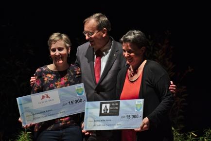 Remise des chèques C. Doret-Bärtschi, D. Reymond, A-C Prélaz-Girod @Fred aux Photos